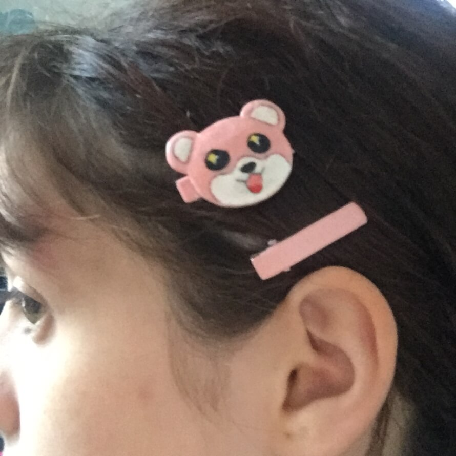 i made a michelle hairclip! im thinking of doing a casual misaki cosplay in it...