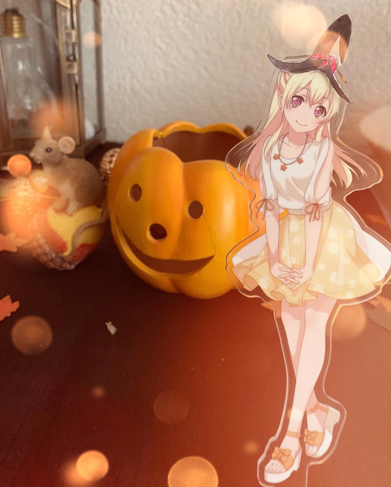 Here is my picture for this contest ! It's Chisato themed for Halloween. With a kind of witch hat...