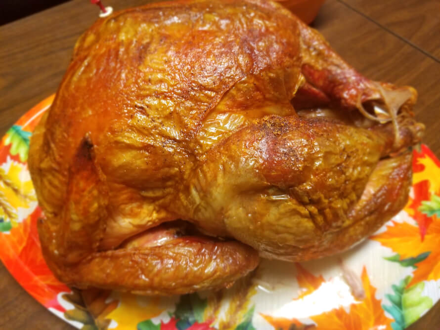 Look at the turkey my mom made uwu its so good but it was 20 lbs so we're gonna have leftovers for...